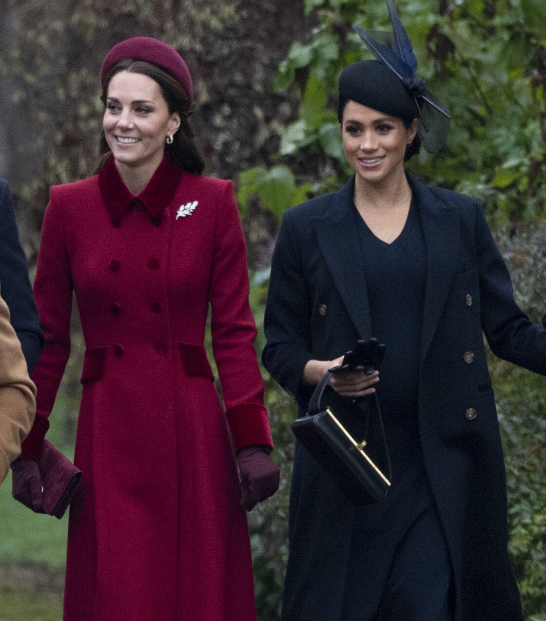 Kate Middleton et Meghan Markle se rendent à la mise de Noël à l'Eglise Sainte-Marie-Madeleine, à Sandringham, le 25 décembre 2018.