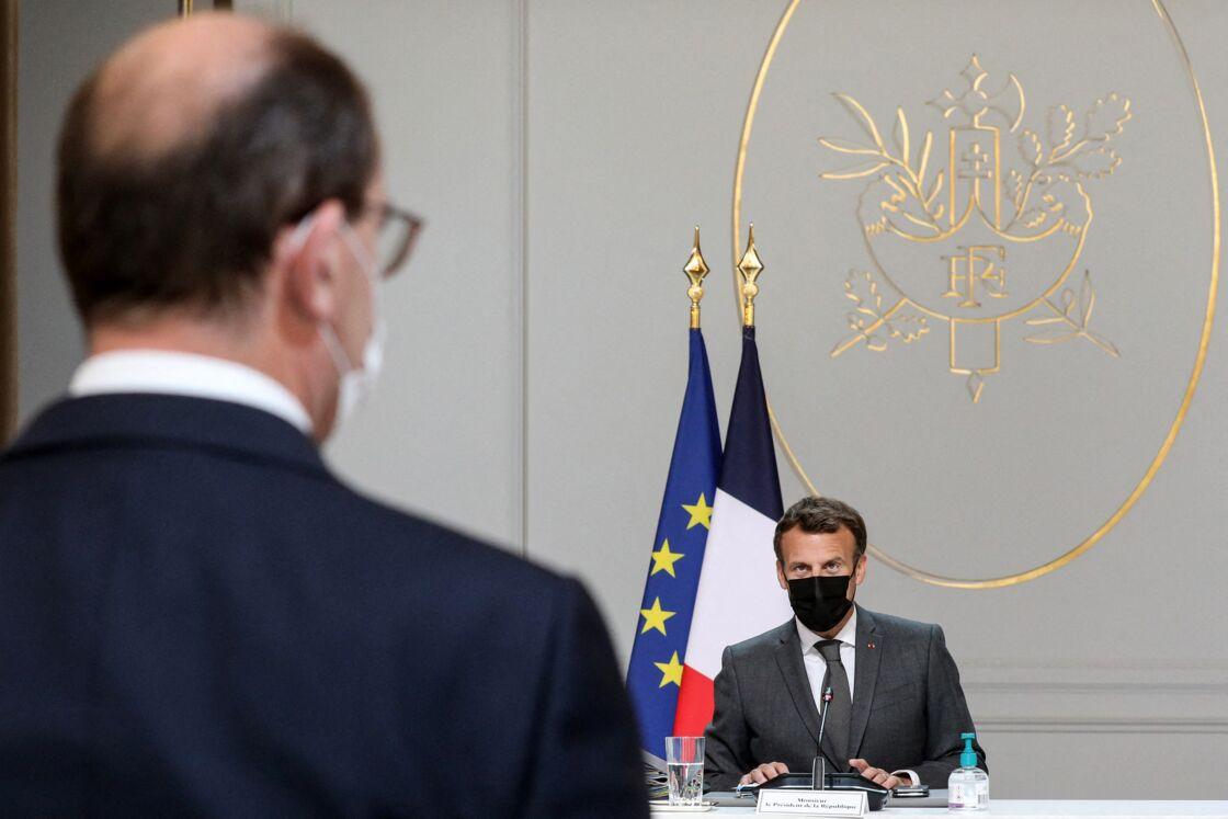 Emmanuel Macron face à Jean Castex lors du Conseil des ministres le 9 juin 2021, au palais de l'Elysée à Paris