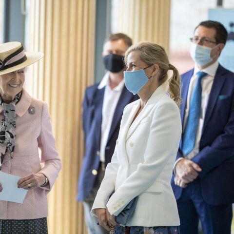 PHOTOS – Sophie de Wessex, la nouvelle star des Windsor, réussit encore un tour de charme