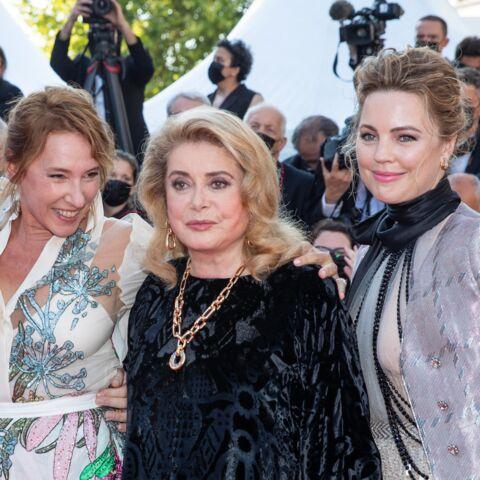 PHOTOS – Cannes 2021: Catherine Deneuve élégante et émue pour son grand retour