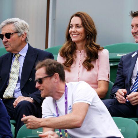 PHOTOS – Kate Middleton: nouvelle apparition stylée en rose poudré avec son papa