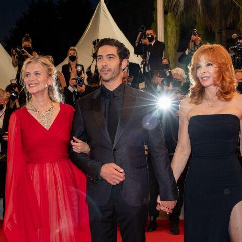 PHOTOS – Cannes 2021: Mylène Farmer flamboyante aux côtés de Tahar Rahim et Mélanie Laurent