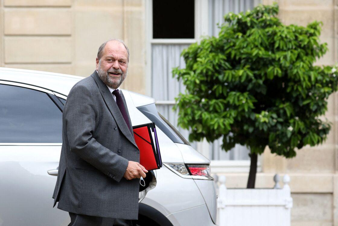 Le Garde des Sceaux, Éric Dupond-Moretti, à sa sortie du Conseil des ministres, au palais de l'Élysée, à Paris, le mercredi 30 juin 2021.