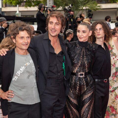 PHOTOS – Cannes 2021: Clotilde Courau s'offre une apparition glamour et rock'n'roll