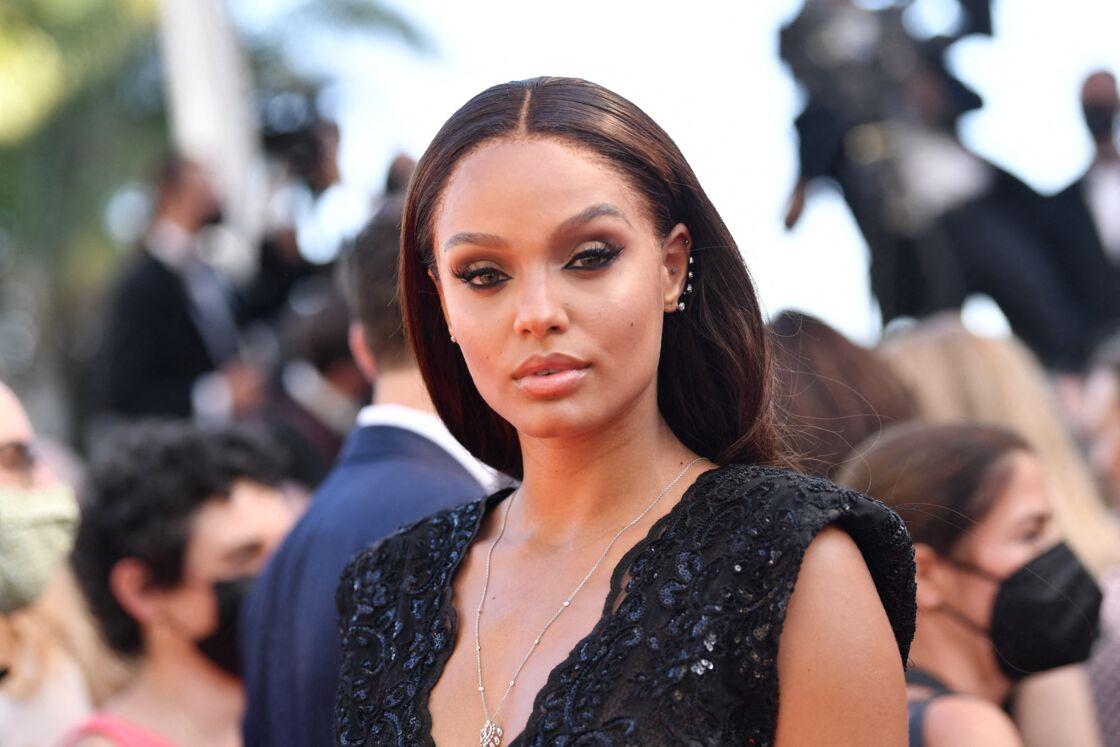 Alicia Aylies - Montée des marches du film « Aline » lors du 74ème Festival International du Film de Cannes. Le 13 juillet 2021
