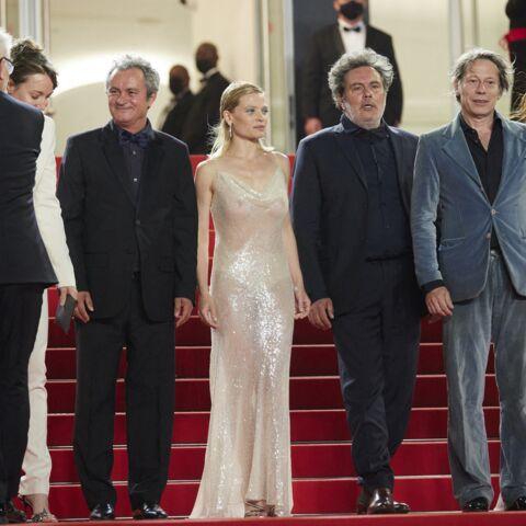 PHOTOS – Cannes 2021: Mélanie Thierry sirène sexy sur les marches