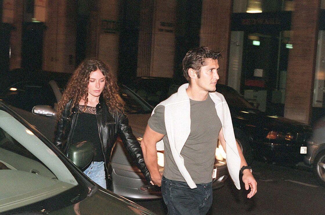 Elsa Lunghini au bras de Bixente Lizarazu, à Paris, en 2000.