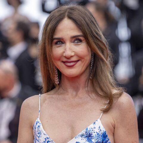 PHOTOS – Cannes 2021 – Elsa Zylberstein illumine la Croisette en robe légère et fleurie