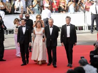 PHOTOS - Benjamin Biolay en forme à Cannes avec Blanche Gardin et l'équipe du film « France »