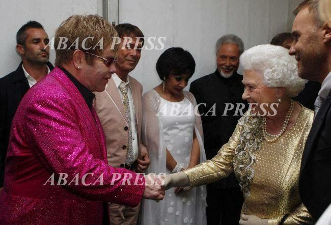Grâce à son amitié avec Diana, Elton John est devenu très proche de la famille royale britannique.