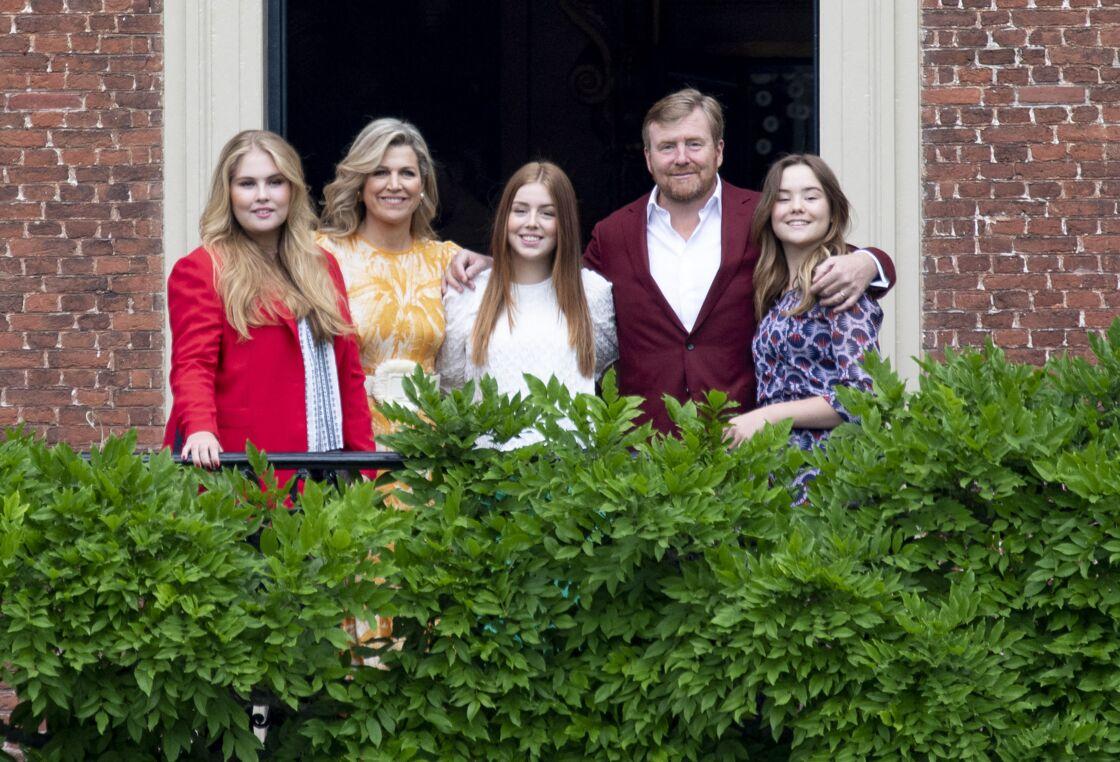 La famille royale belge a pris la pause dans les jardins du palais de Huis ten Bosch à La Haye.