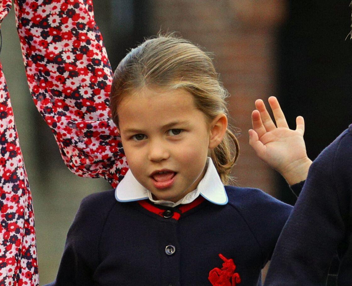 La princesse Charlotte prête à dire au revoir à son grand frère, le prince George