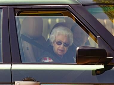 Elizabeth II près des écuries de Sandringham, cette visite inattendue