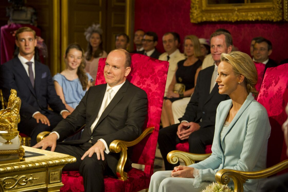 Mariage civil du prince Albert II de Monaco et de Charlene Wittstock, dans la salle du trône au palais princier de Monaco,  le 1er juillet 2011.