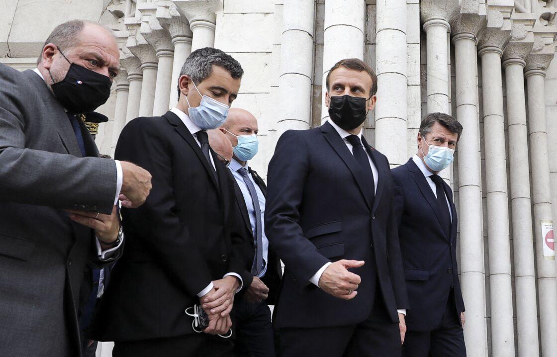 Éric Dupond-Moretti aux côtés de Gérald Darmanin, Emmanuel Macron et Christian Estrosi, à la basilique Notre-Dame de Nice, le 29 octobre 2020.