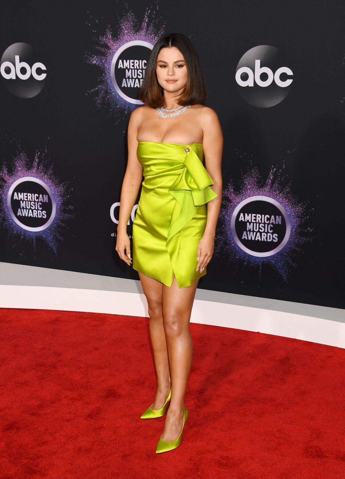 Aux American Music Awards la brune avait osé la robe mini bustier