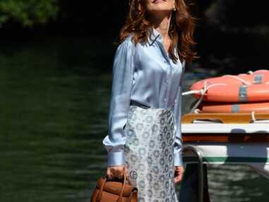 PHOTOS - Mostra 2021 : Isabelle Huppert, Penelope Cruz, Virginie Efira : les plus beaux looks des stars pour leur arrivée à Venise