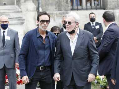 Obsèques de Jean-Paul Belmondo : Alain Delon, Hugues Aufray... réunis pour lui dire au revoir