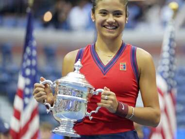 PHOTOS - Emma Raducanu  gagne l'US Open parée de bijoux Tiffany & Co