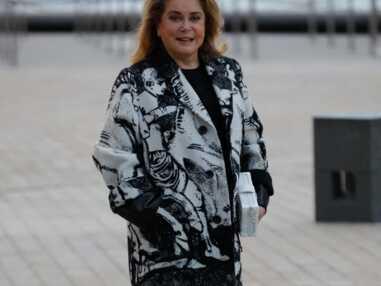 PHOTOS - Catherine Deneuve, Chiara Mastroianni, les stars au défilé Louis Vuitton printemps-été 2022