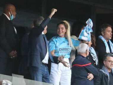 PHOTOS - Hommage à Bernard Tapie : sa fille Sophie souriante aux côté des supporters de l'OM
