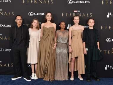 """PHOTOS - Angelina Jolie avec ses enfants Maddox, Vivienne, Knox, Shiloh et Zahara Jolie-Pitt à la première du film """"Eternals"""""""