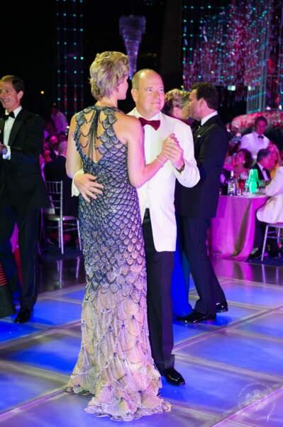 Charlène de Monaco canon électrise la piste de danse avec le prince Albert