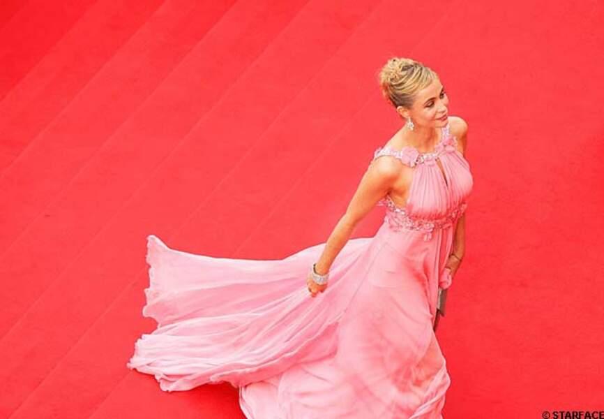 Emmanuelle Béart lors du 59ème Festival de Cannes (2006), divine dans sa robe enmousseline rose Elie Saab