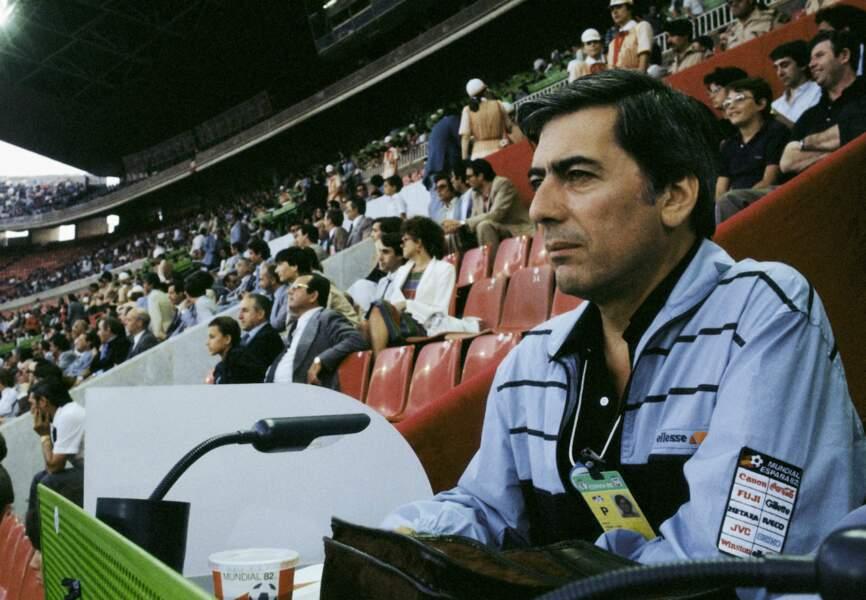 Mario Vargas Llosa pendant la Coupe du monde de football de 1982