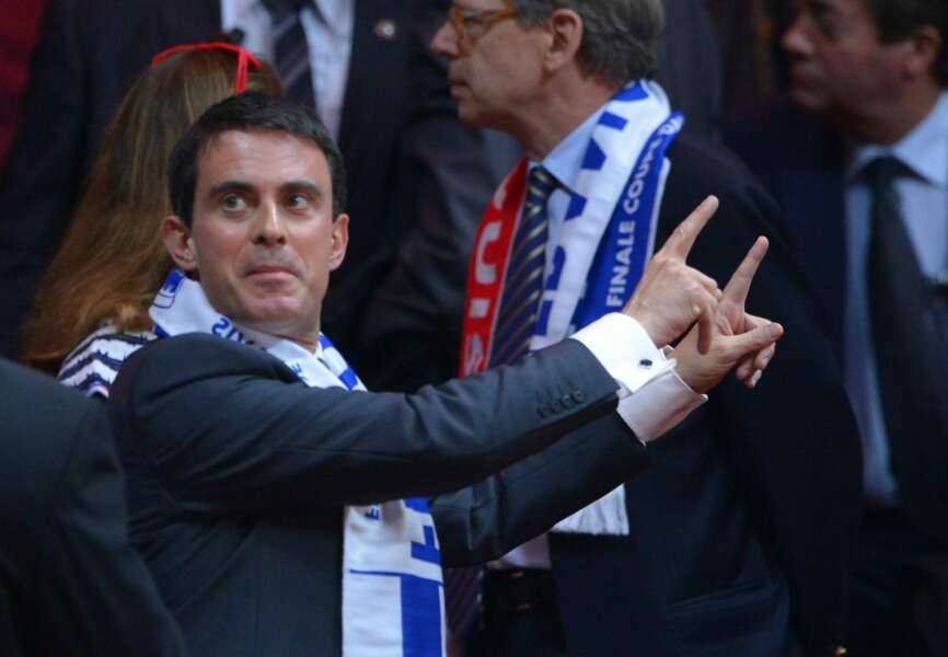 Manuel Valls lui aussi s'est interressé à la compétition de tennis