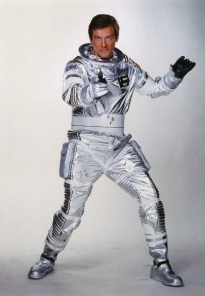 Roger Moore dans Moonraker (1979)