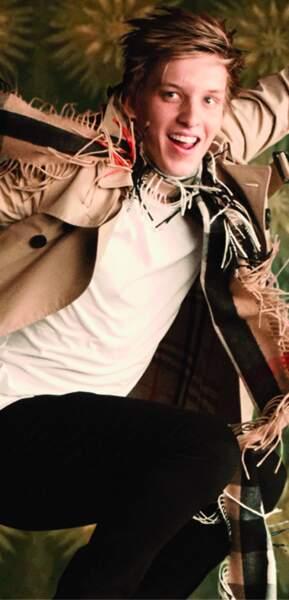 Le chanteur George Ezra pour Burberry