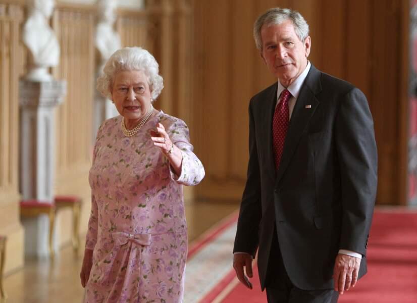 La même année, le président américain George Bush visite la Grande-Bretagne