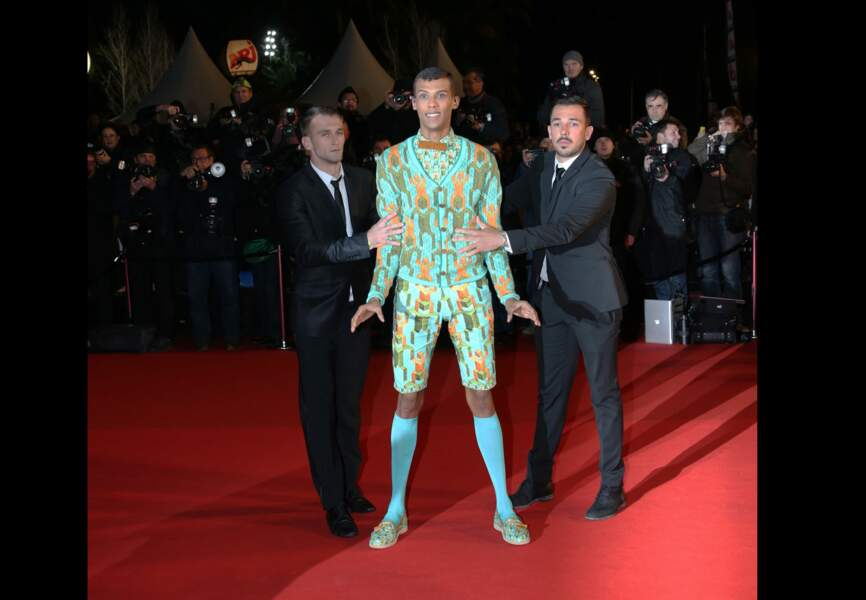 Total-look imprimés pour Stromae aux NRJ Music Awards