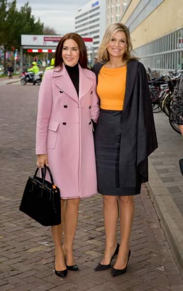 Maxima des Pays-Bas et Mary de Danemark en pastel