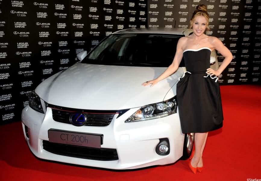 La chanteuse est faite ambassadrice de la voiture Lexus CT 200H
