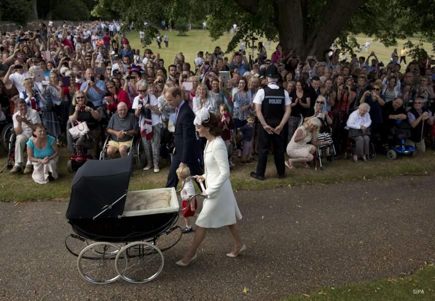 La famille royale est venue en marchant