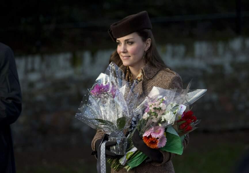la princesse a reçu de nombreux bouquets de fleurs