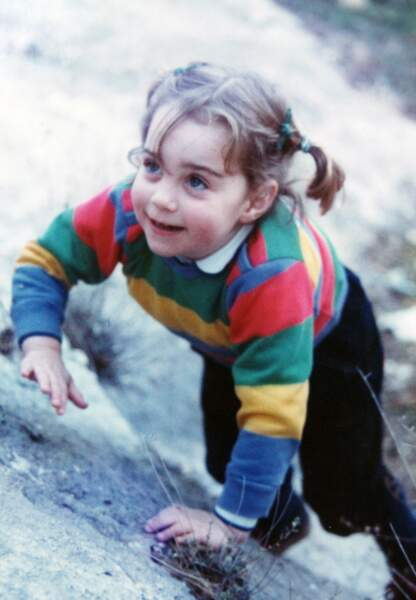 Kate petite fille. Une photo communiquée par la famille Middleton avant son mariage avec le prince William.