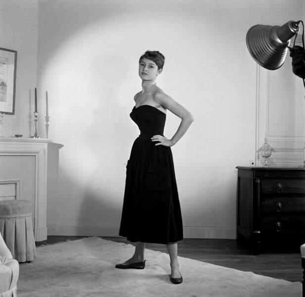 Silhouette chic et fifties pour B.B. en 1952