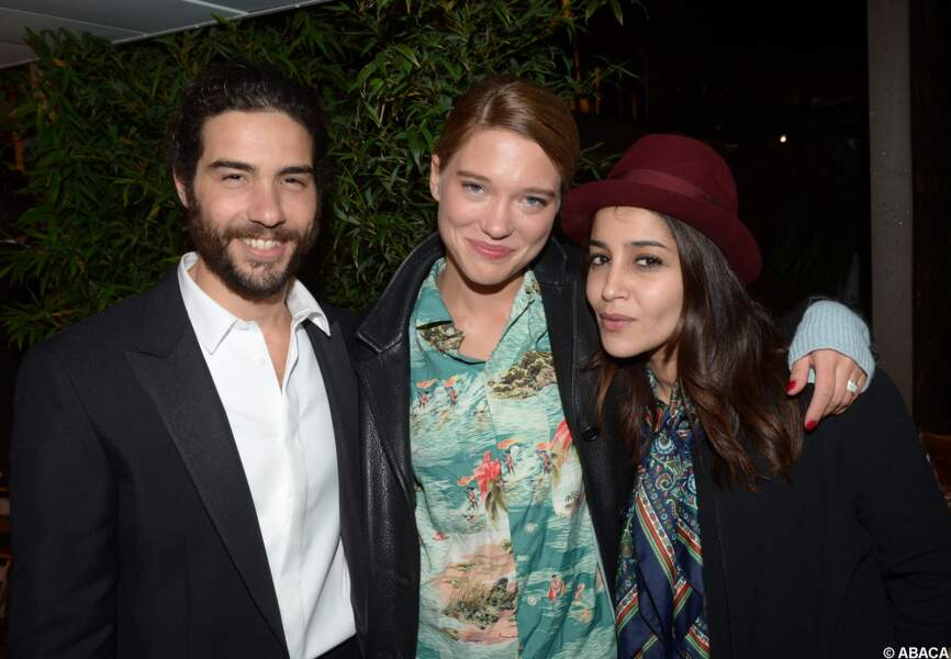 Moment rare de pose avec son chéri Tahar Rahim, mais Léa Seydoux veille au grain à Cannes en 2013