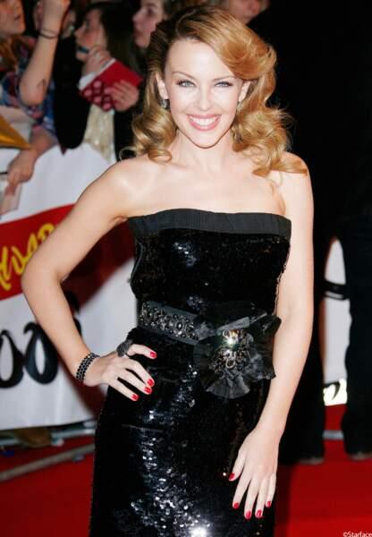 De plus en plus sublime sur les tapis rouge, elle se présente aux Brit Awards 2009