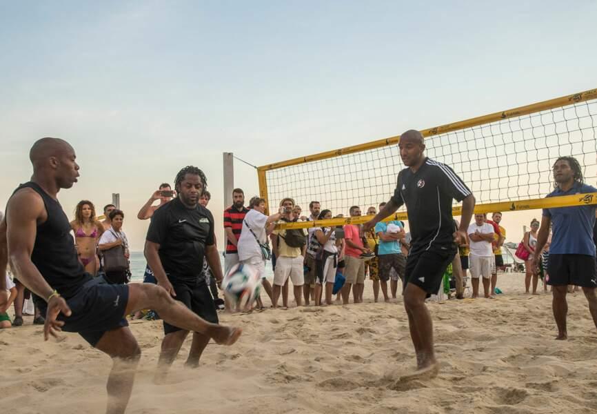 Partie de beach-tennis pour Sylvain Wiltord, Olivier Dacourt, Christian Karembeu et Bernard Diomède