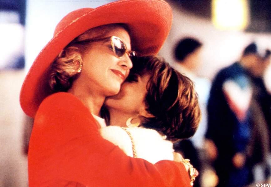 Marisa Paredes et Victoria Abril dans Talons aiguilles, en 1991