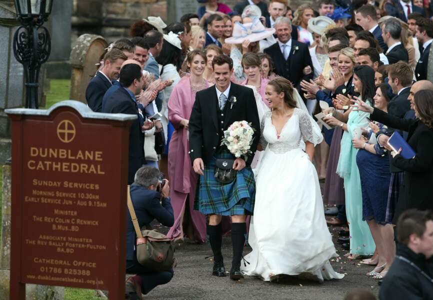 Le couple s'est dit oui en la cathédrale de Dunblane, la ville natale du marié
