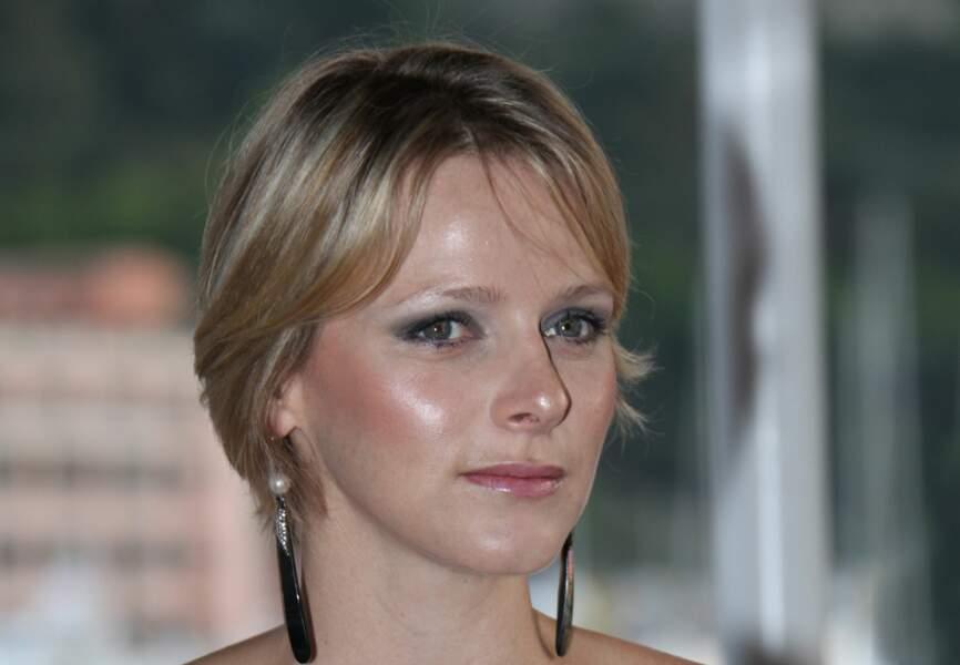 Charlène de Monaco : Make-up glowy lors d'un dîner de charité en mai 2009