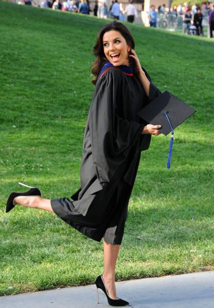 Eva Longoria, fière d'avoir reçu son diplôme