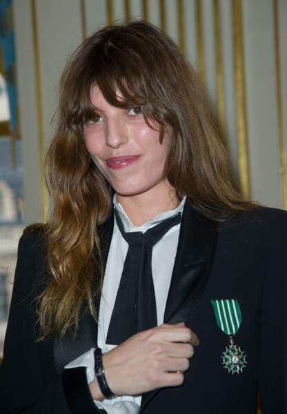 Avril 2013 Lou est épinglée Chevalier de l'Ordre des Arts et des Lettres
