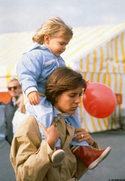 Pause tendresse entre mère et fille