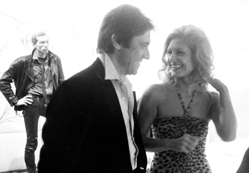Le chanteur et Dalida, très complices avant le tournage d'une émission télévisée en 1979